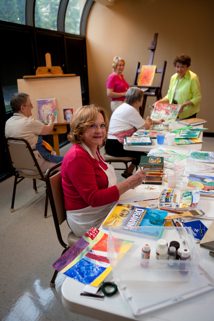 Residents enjoy the Art Studio at Lenbrook.