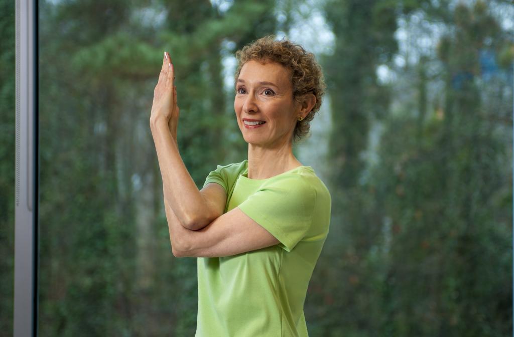 Yoga class at Lenbrook.